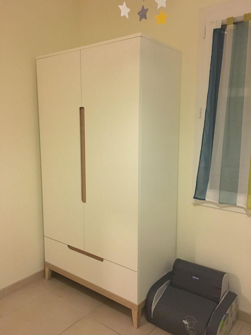 armoire enfant riga blanche et bois. Black Bedroom Furniture Sets. Home Design Ideas