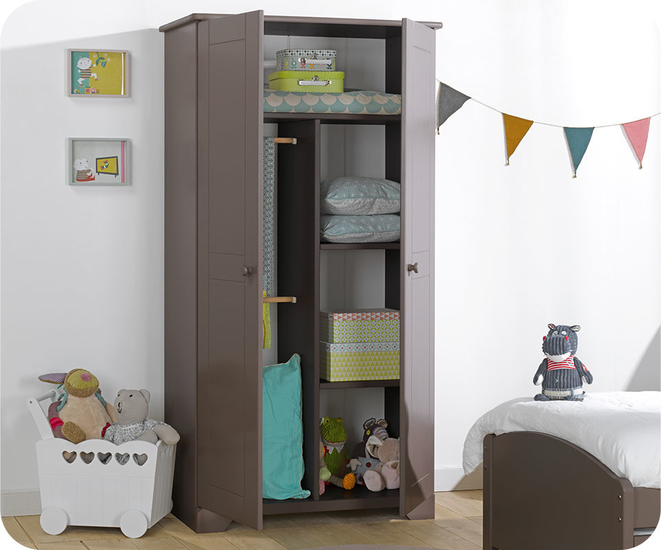 Armoire enfant nature taupe mobilier de fabrication for Mobilier chambre garcon