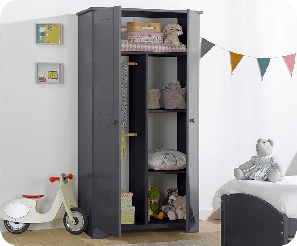 armoire de chambre grise. Black Bedroom Furniture Sets. Home Design Ideas