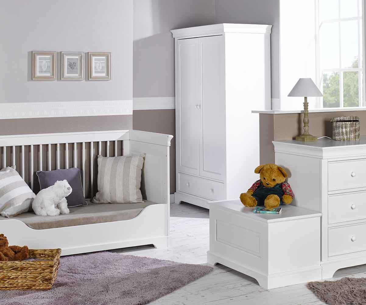 Chambre b b compl te mel blanche avec armoire for Chambres completes