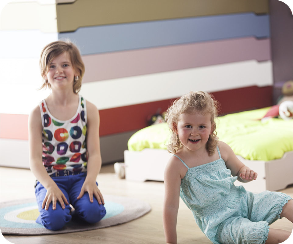 pack lit enfant empilable lilas patel 90x190 cm avec sommier matelas. Black Bedroom Furniture Sets. Home Design Ideas