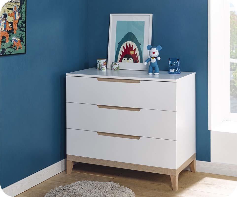 Mini chambre b b riga blanche et bois for Chambre bebe meuble blanc