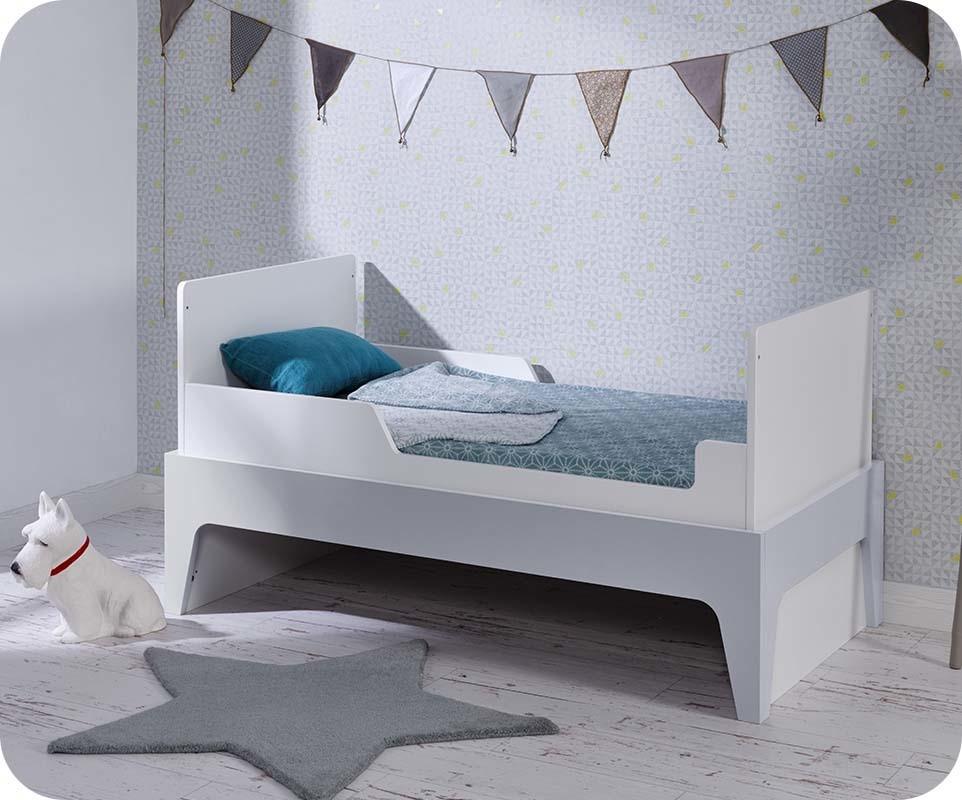 Chambre bebe blanc et gris clair for Mobilier chambre blanc