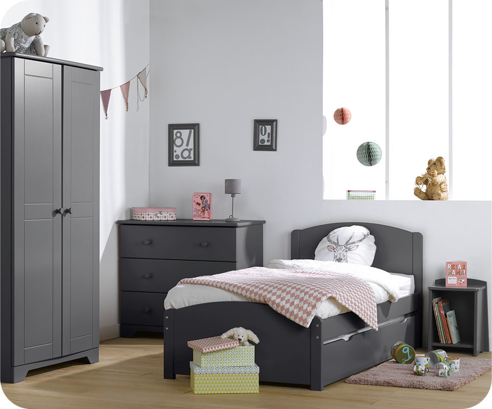 Chambre enfant nature gris anthracite avec armoire enfant - Chambre enfant gris ...