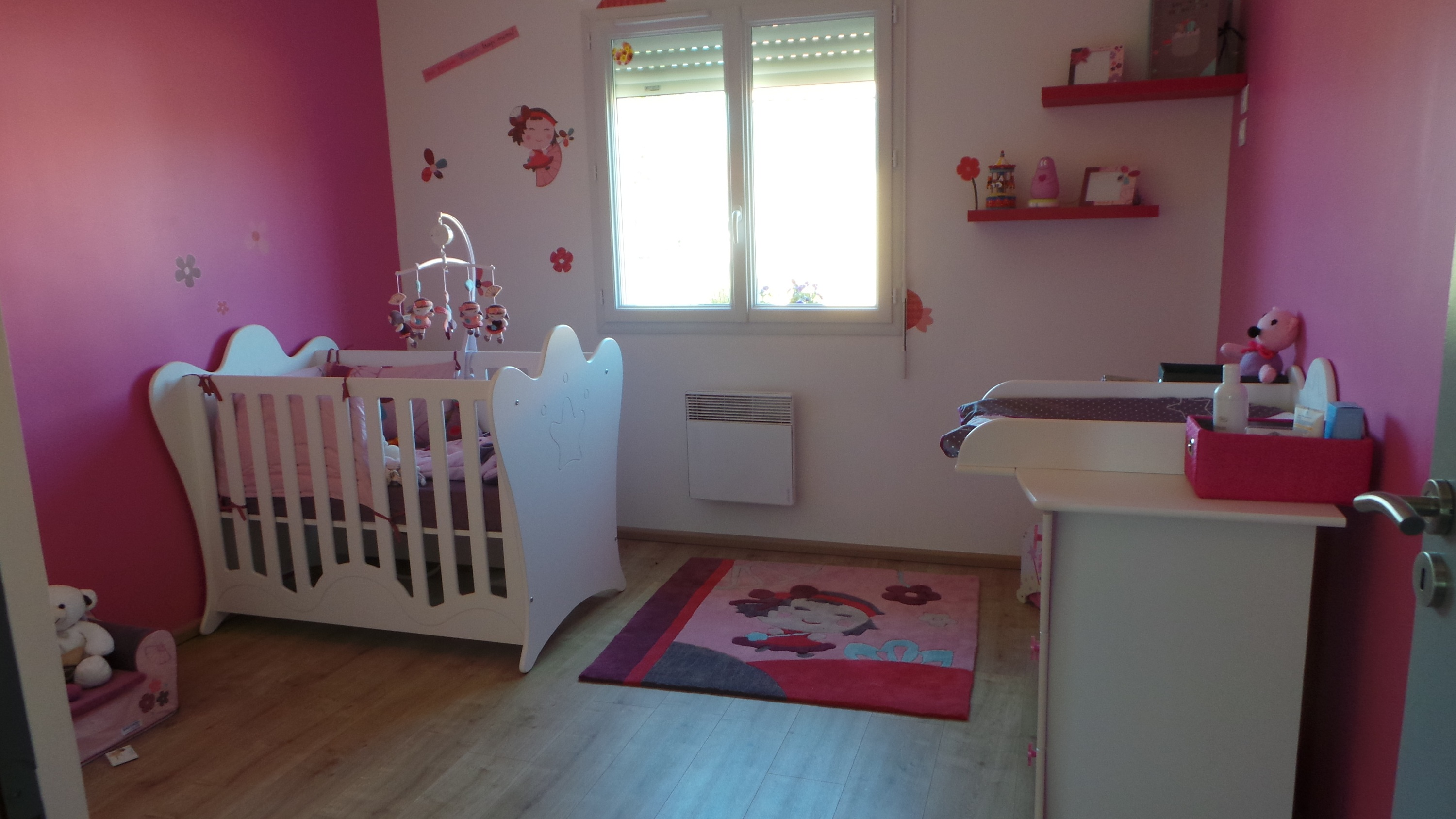 D co chambre fille framboise for Photo de chambre pour bebe fille