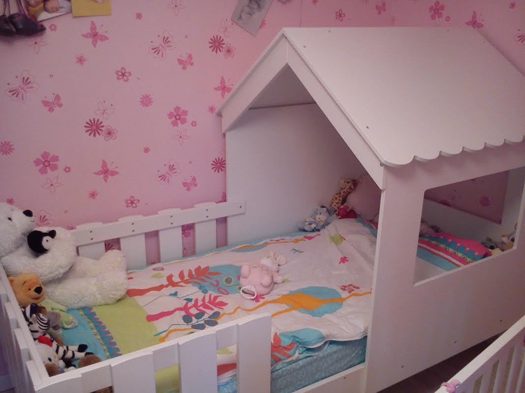 d couvrez le lit enfant cabane swam blanc aux multiples atouts. Black Bedroom Furniture Sets. Home Design Ideas