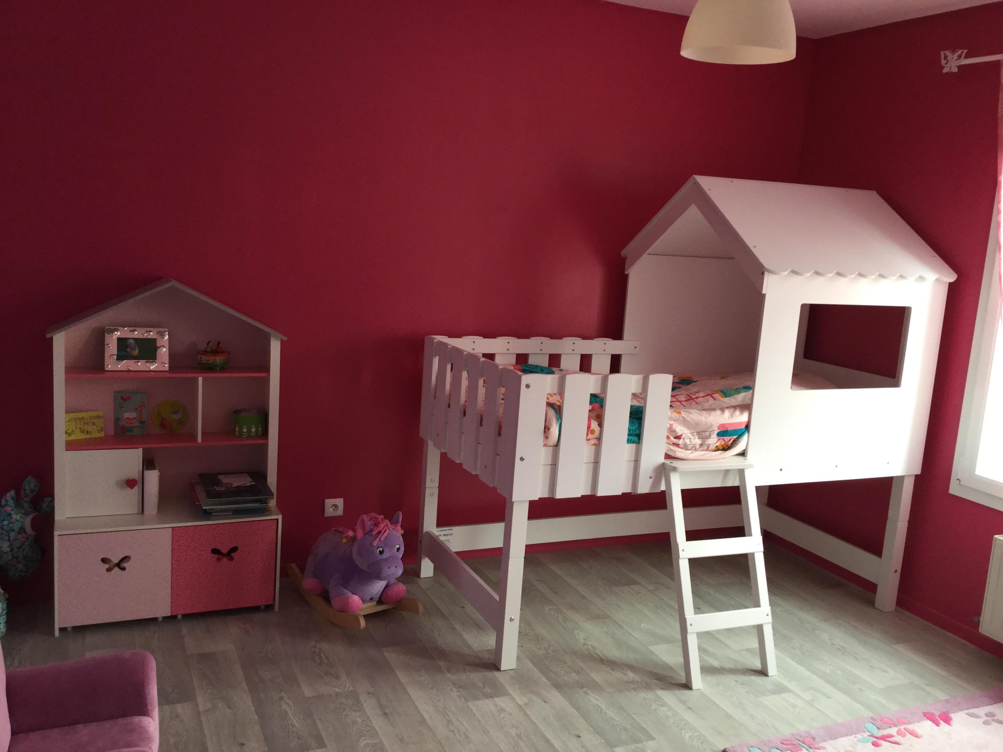lit cabane pour fille. Black Bedroom Furniture Sets. Home Design Ideas