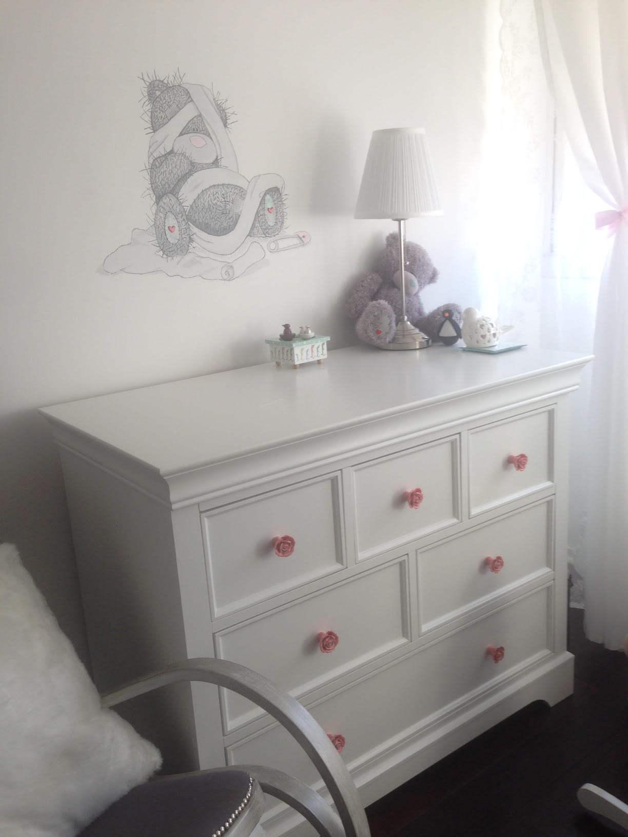 Chambre b b compl te mel blanche avec armoire for Meuble chambre bebe