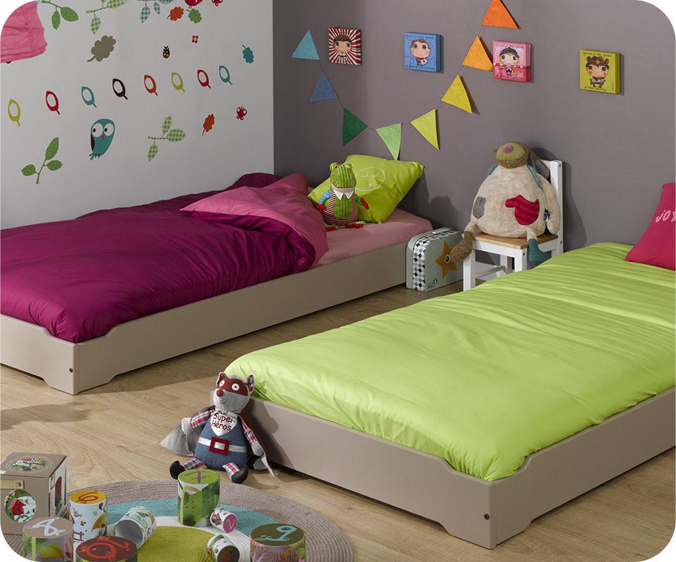 pack lit enfant empilable lin 90x190 cm avec sommier matelas. Black Bedroom Furniture Sets. Home Design Ideas