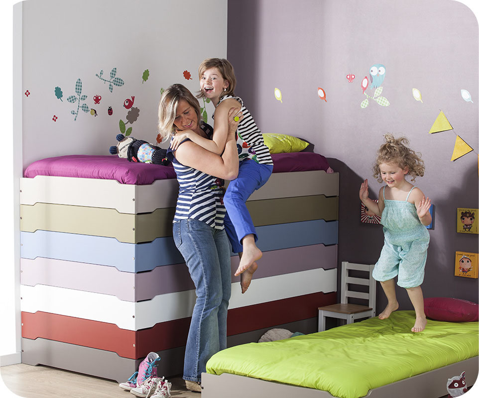 lit enfant empilable rouge basque 90x190 cm avec sommier. Black Bedroom Furniture Sets. Home Design Ideas