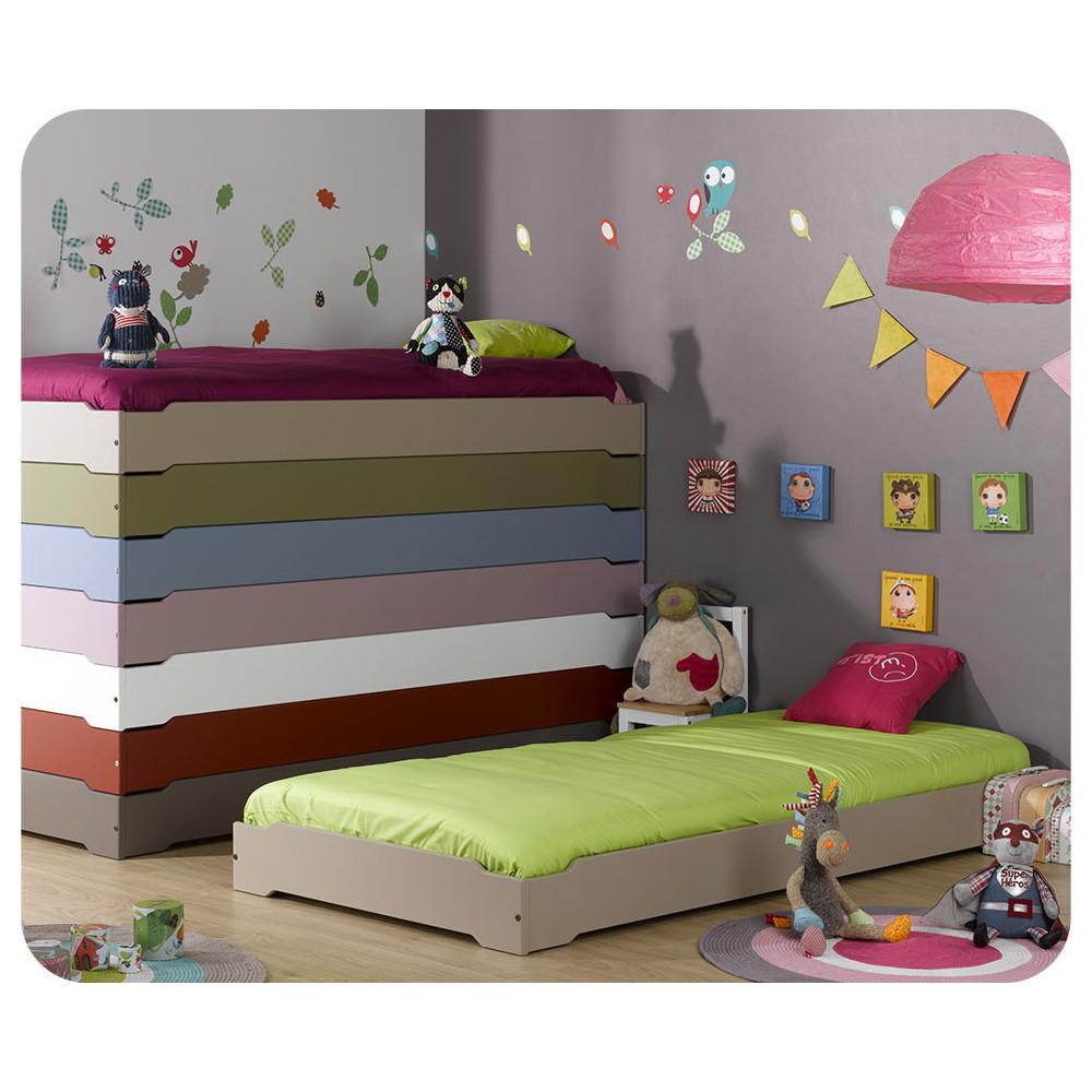 lit enfant empilable en bois massif fabriqu en france livr avec sommier. Black Bedroom Furniture Sets. Home Design Ideas