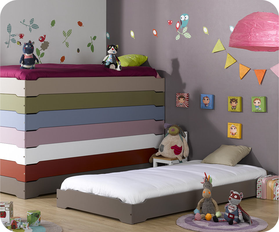lit enfant empilable taupe 90x190 cm avec sommier et matelas. Black Bedroom Furniture Sets. Home Design Ideas