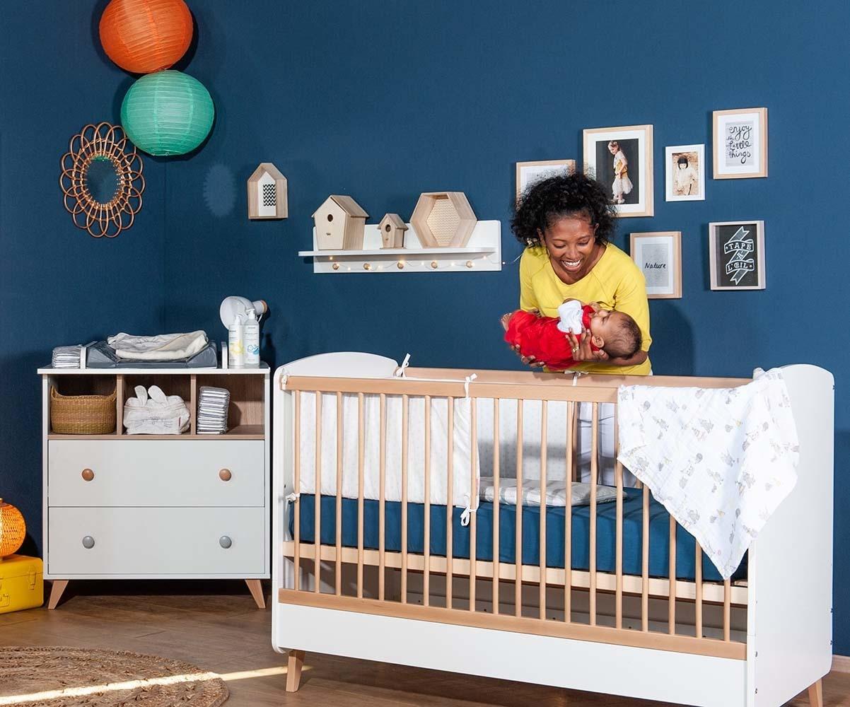 mini chambre b b pepper blanche et bois avec plan langer. Black Bedroom Furniture Sets. Home Design Ideas