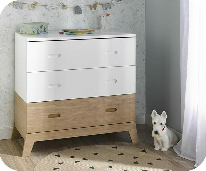 commode b b en bois ma chambre d 39 enfant. Black Bedroom Furniture Sets. Home Design Ideas