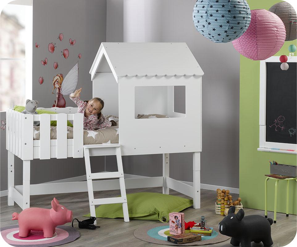 quant au coloris du mobilier le choix sest tout naturellement port sur le blanc facile accorder avec toute dcoration ou tapisserie les bois qui le - Lit Cabane Enfant