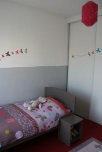 Une Déco Chambre Enfant Taupe Est Idéale également Quand On Veut Ajouter  Sur Les Murs De La Chambre Divers Tableaux, Frises, Peluches.