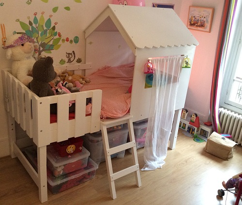 Le lit enfant cabane swam de betty et de caroline for Les plus beaux lits