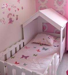 dcouvrez ci dessus les photos du lit enfant cabane de betty et stphane le lit enfant a t laiss au sol et la cabane fixe la structure - Lit Enfant Fille