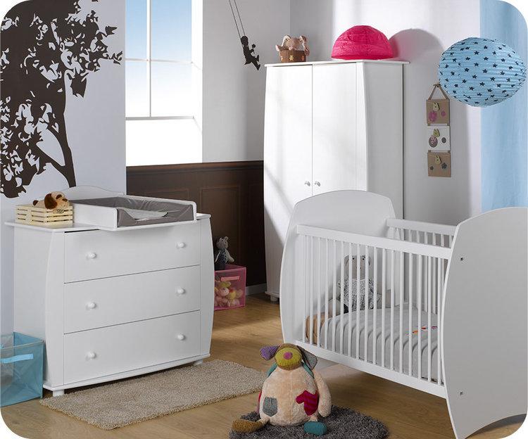 l 39 ensemble du mobilier de notre chambre b b r ve. Black Bedroom Furniture Sets. Home Design Ideas