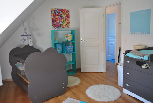 Awesome deco chambre bebe gara on taupe et bleu ideas for Deco chambre taupe et turquoise