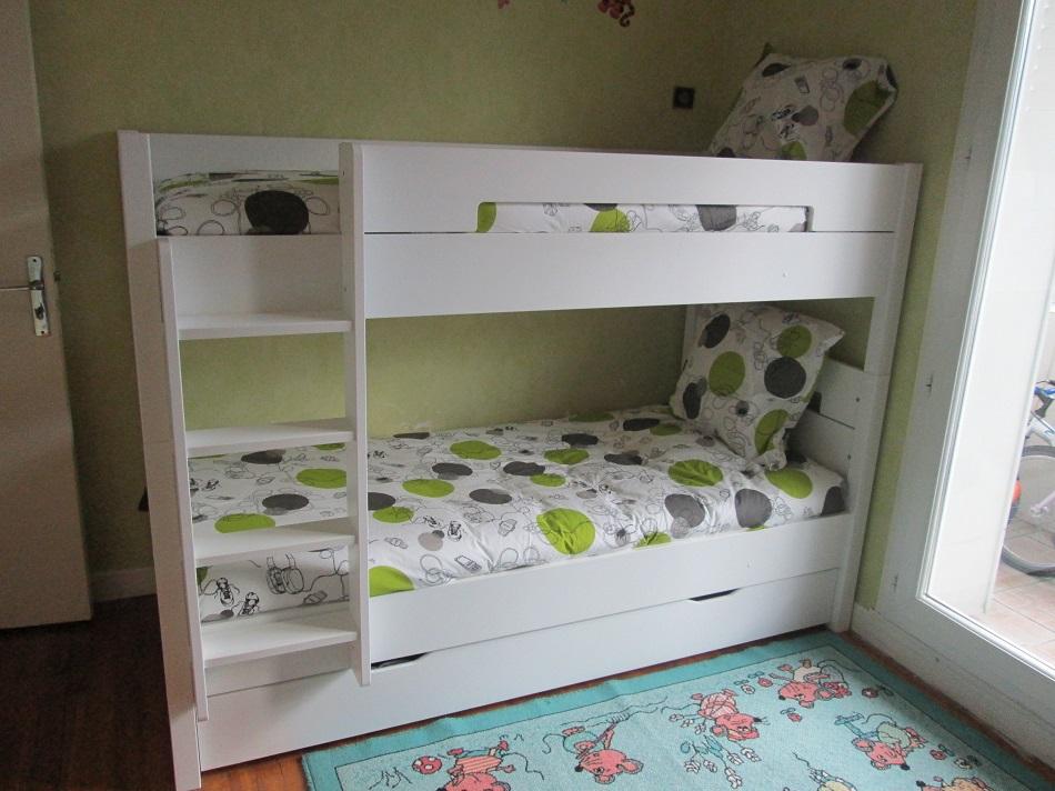 photos du lit superpos bow blanc par thami et par nicolas. Black Bedroom Furniture Sets. Home Design Ideas